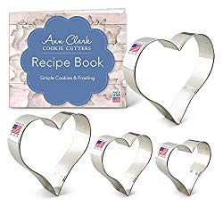 Ann Clark Cookie Cutters 4-Piece Heart Cookie Cutter Set with Recipe Booklet, 2.75″, 3.25″, 3.75″, 4″